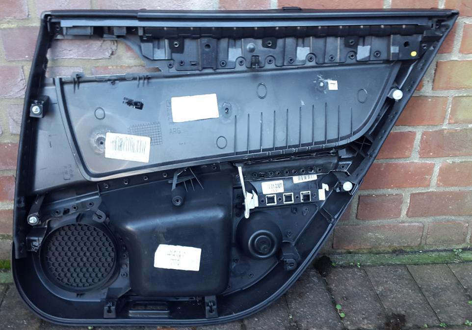 20151031_131224.jpg 20151031_131124.jpg & Rear interior door card removal - Peugeot Forums