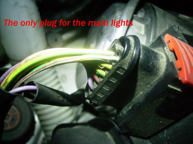peugeot 307 fuse box headlight 307 loses power when the headlight plug is connected ... peugeot 307 fuse box manual #9