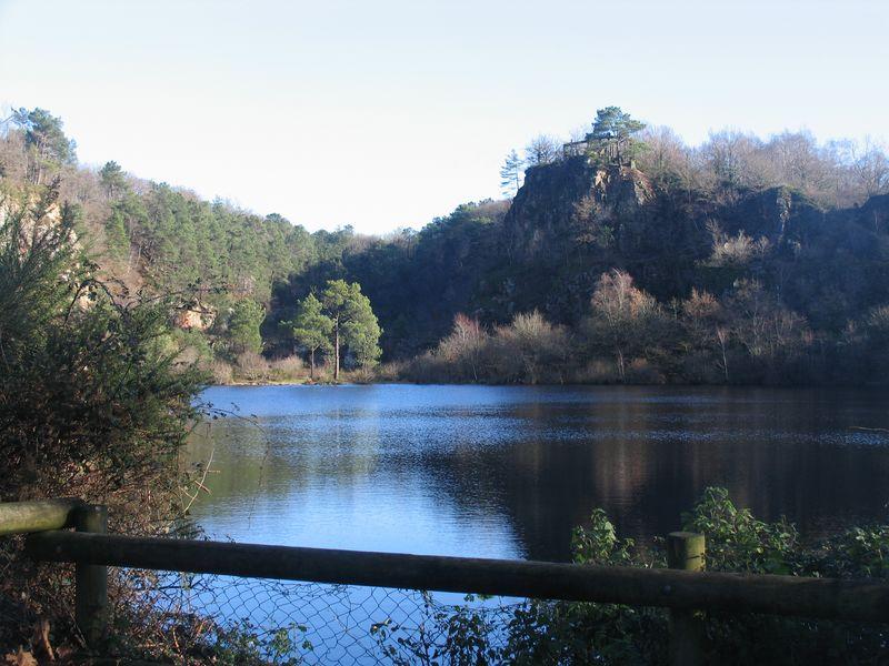 cheffois-quarry-lake-%5B800x600%5D.jpg