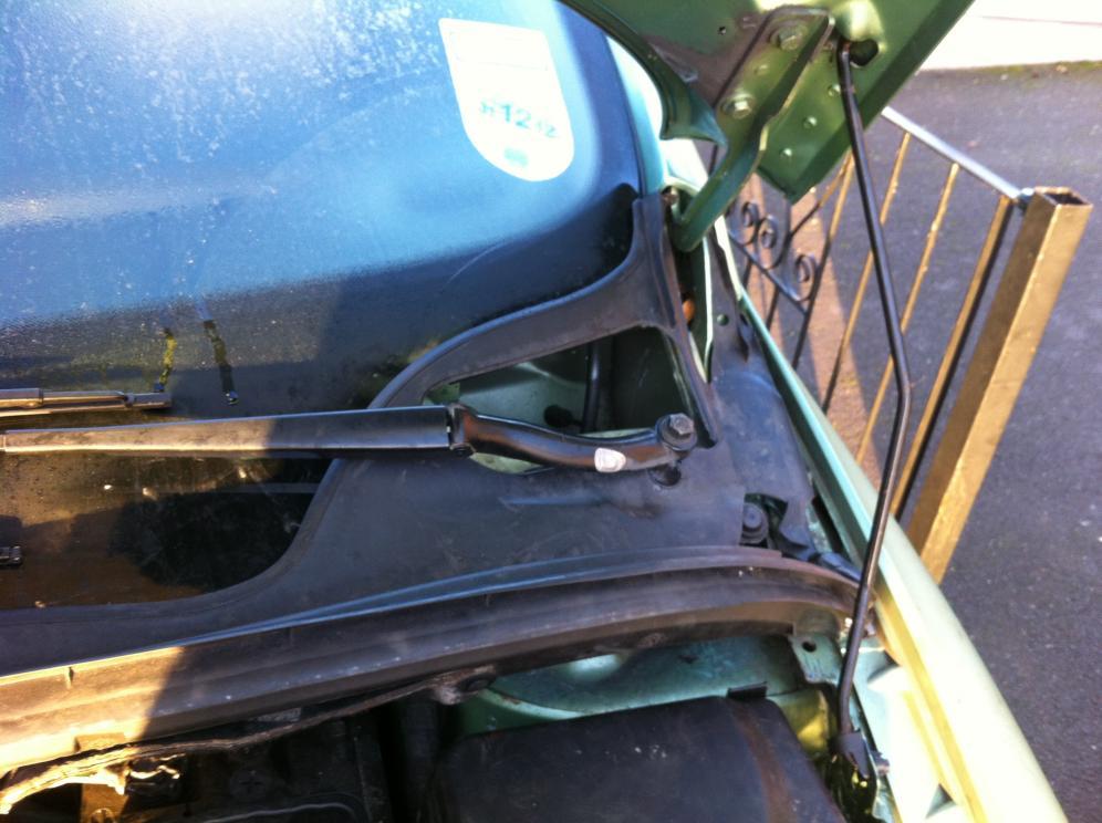 windscreen wiper arms - peugeot forums