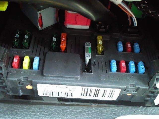 206 Gti Immobiliser Issue Peugeot S. Pug206bsifusebox. Peugeot. Peugeot 206 Fuse Box Problem At Eloancard.info
