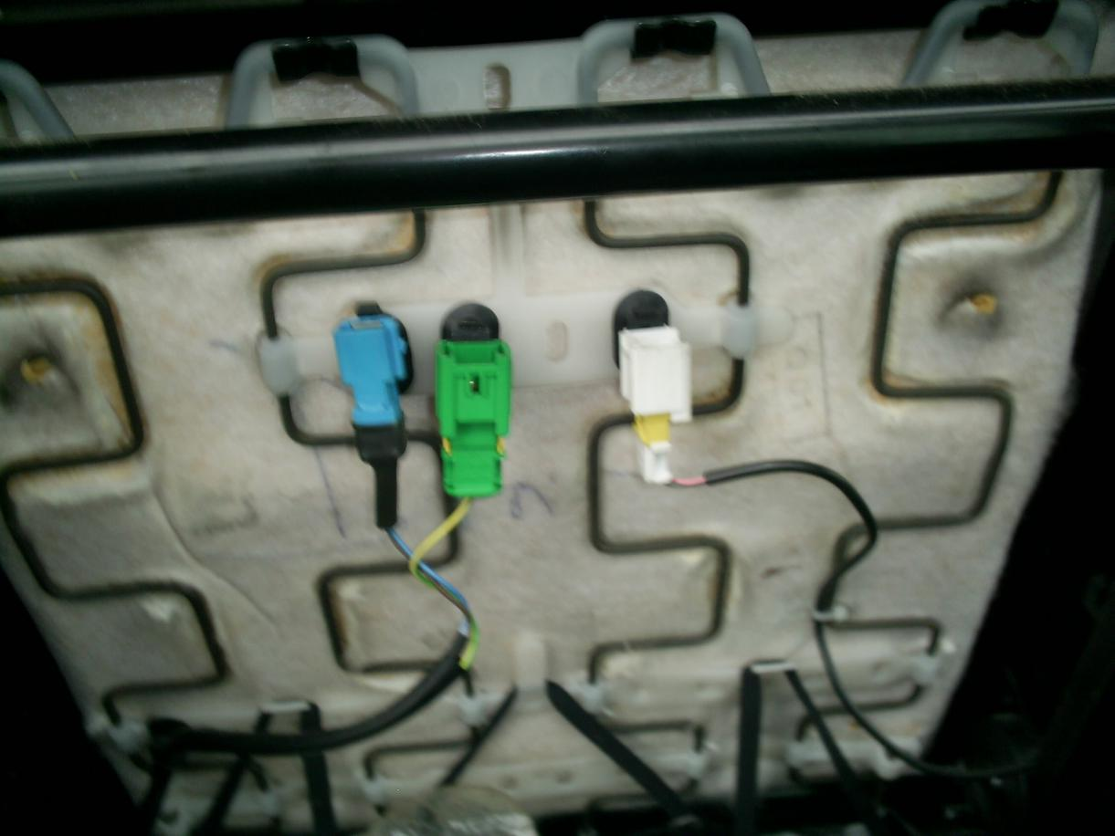 under seat wire plug peugeot forums rh peugeotforums com